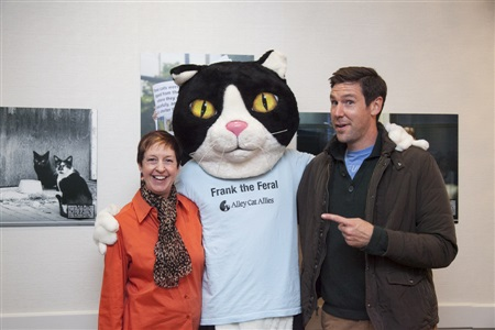 Everyone wants a photo with Frank the Feral! Alley Cat Allies President Becky Robinson and John Fulton join in.