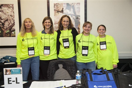 A great big THANK YOU to all the volunteers and staff who donned those bright yellow t-shirts to help conference attendees.