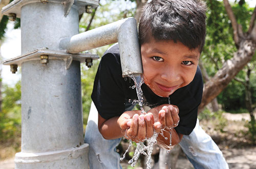 10 Water Hand Pumps For A Community